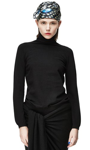 SEAMLESS COTTON TURTLENECK
